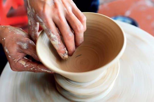 Có thể nói đất sét là nguyên liệu chính để làm đồ gốm.